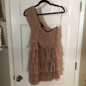Nude bcbgmaxazria dress with belt size Small